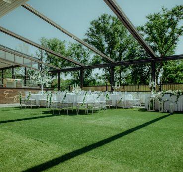 Sala za vencanje na Dunavu na otvorenom